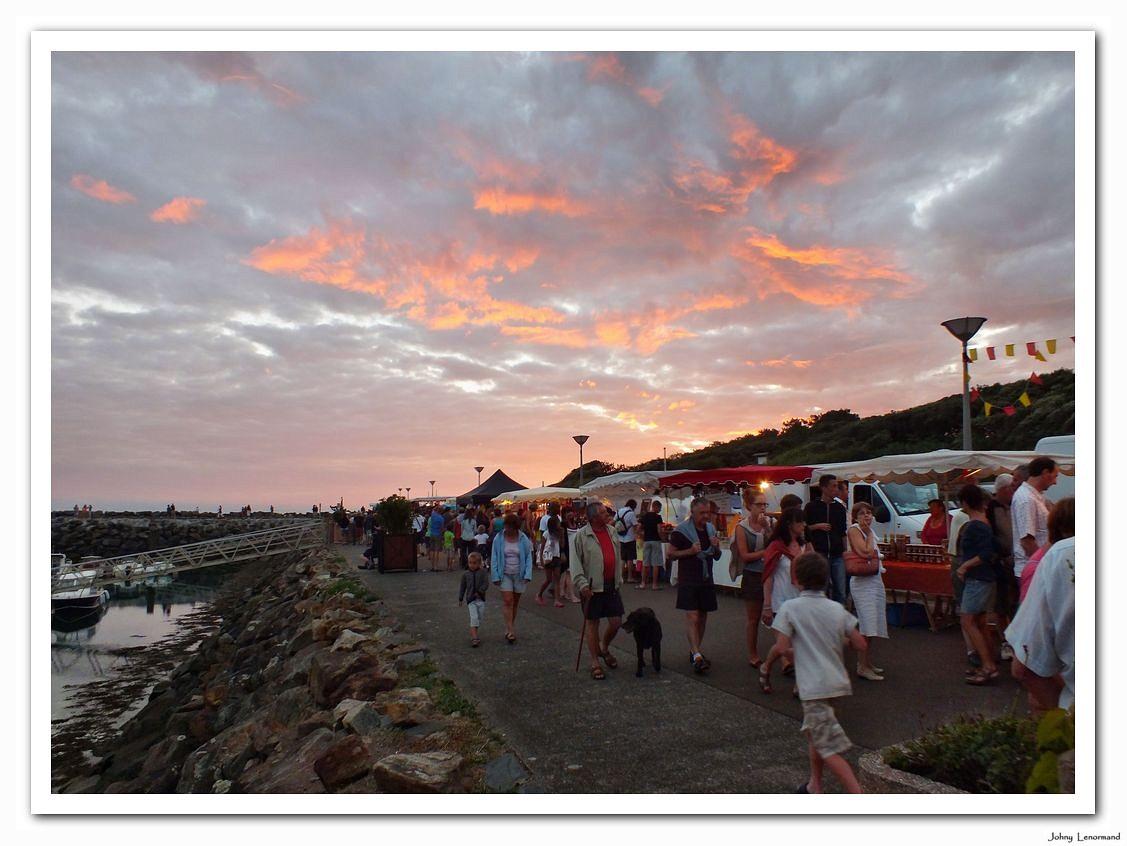 Marché nocturne à Port Bourgenay