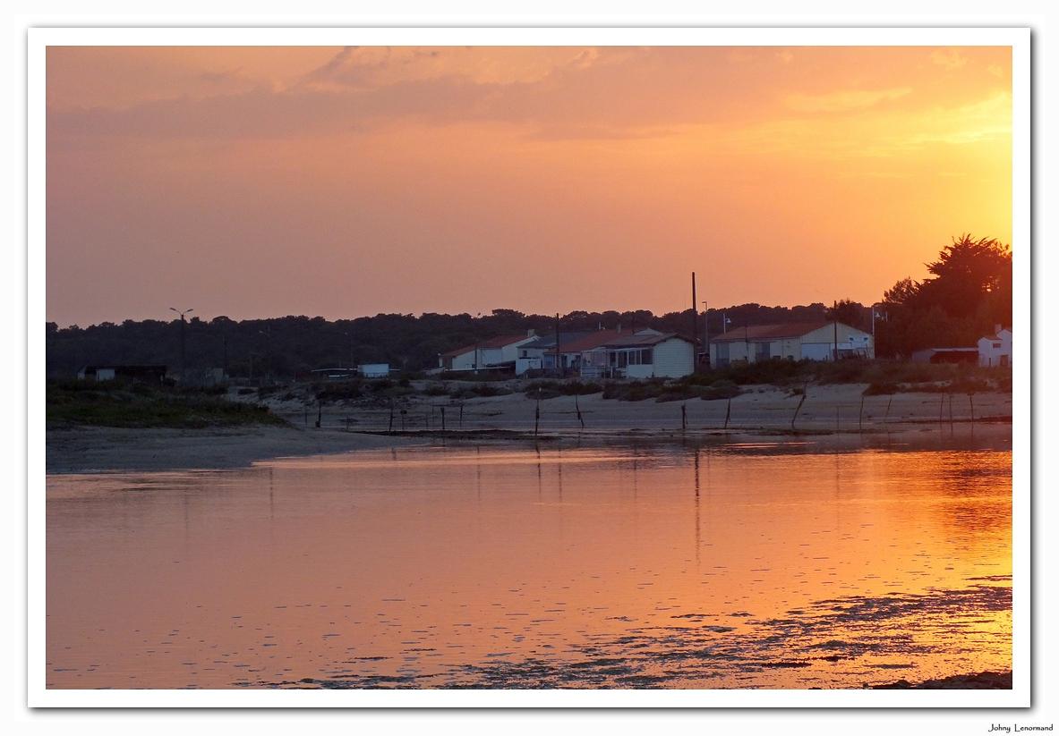 Coucher de soleil sur le Port de la Guittière