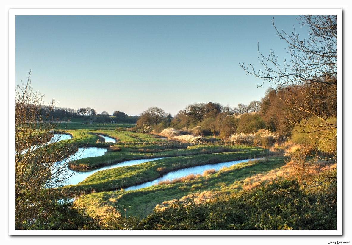 Aube sur le marais talmondais