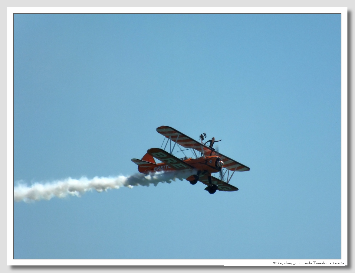 Vendée Air Show: Breitling Wingwalkers