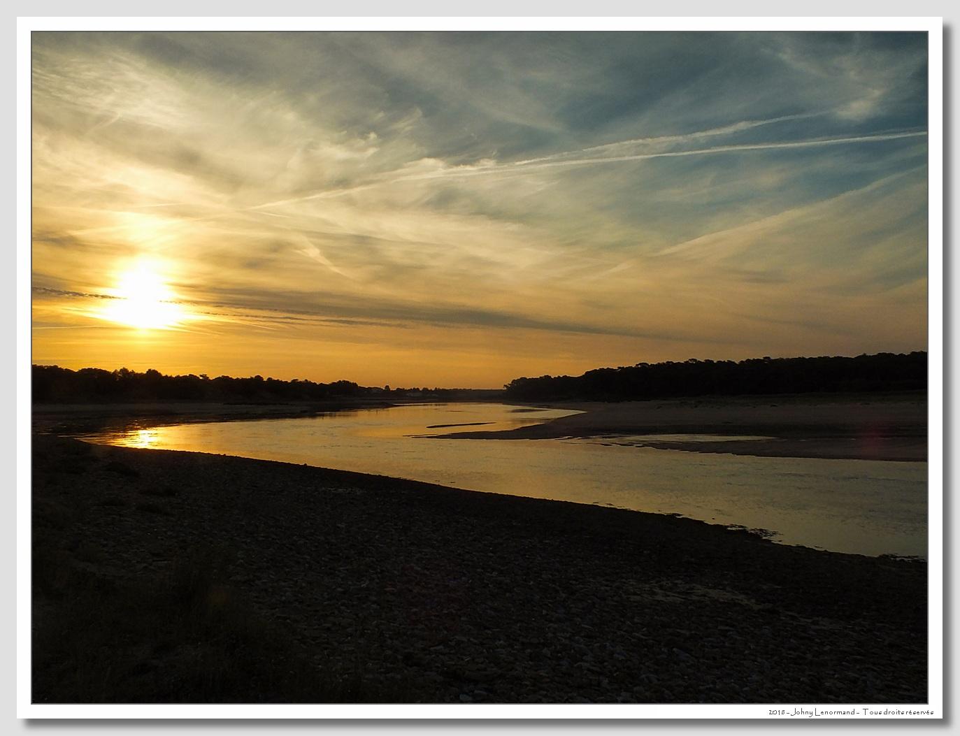 Lever du jour sur le Payré à Talmont Saint Hilaire, Vendée