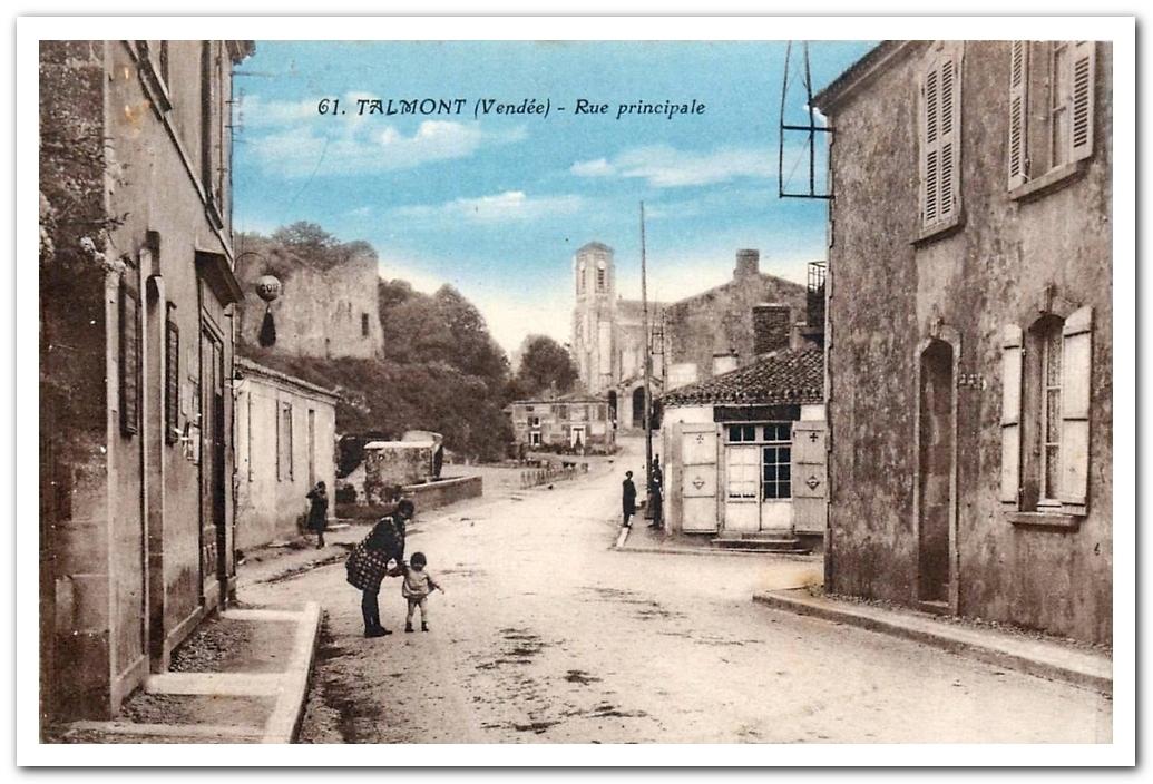 La rue du Château à Talmont Saint Hilaire