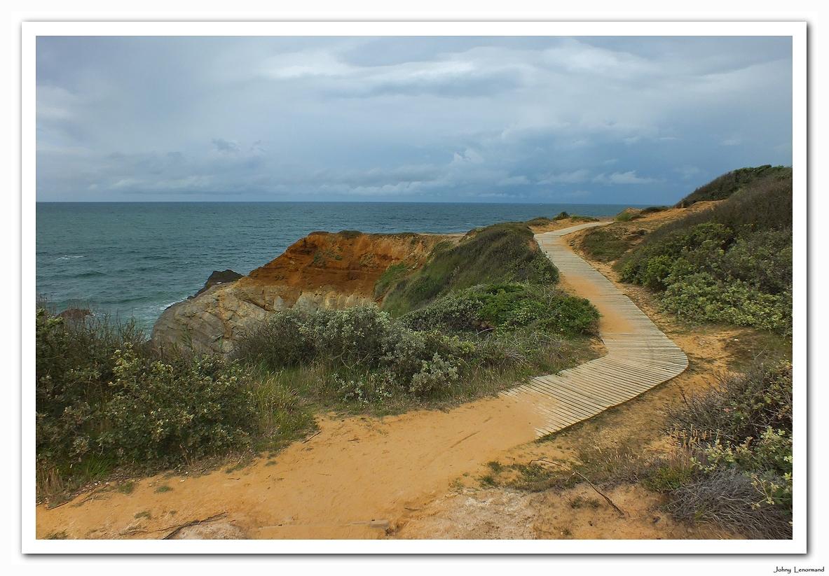 Chemin sur la côte à Jard sur Mer