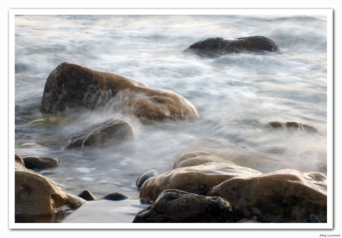 Pose longue sur rochers