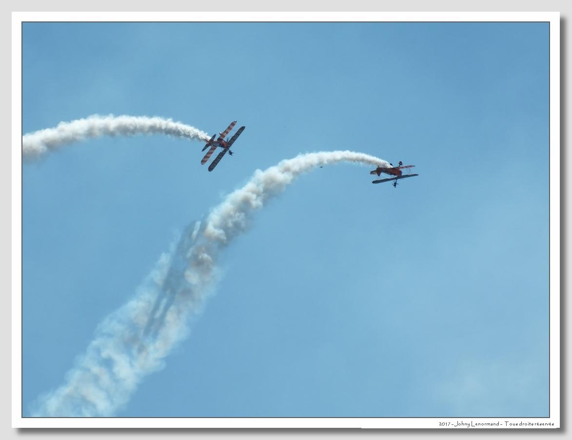 Vendée Air Show: Breitling Wingwalkers