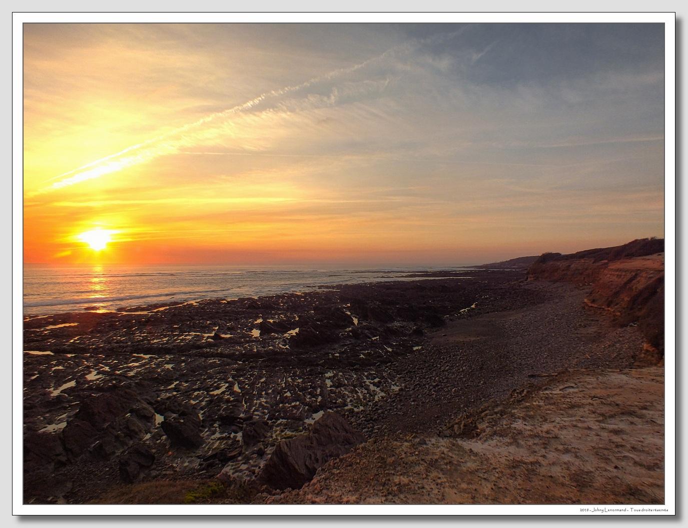 Coucher de soleil entre Port Bourgenay et la Mine, Talmont Saint Hilaire en Vendée