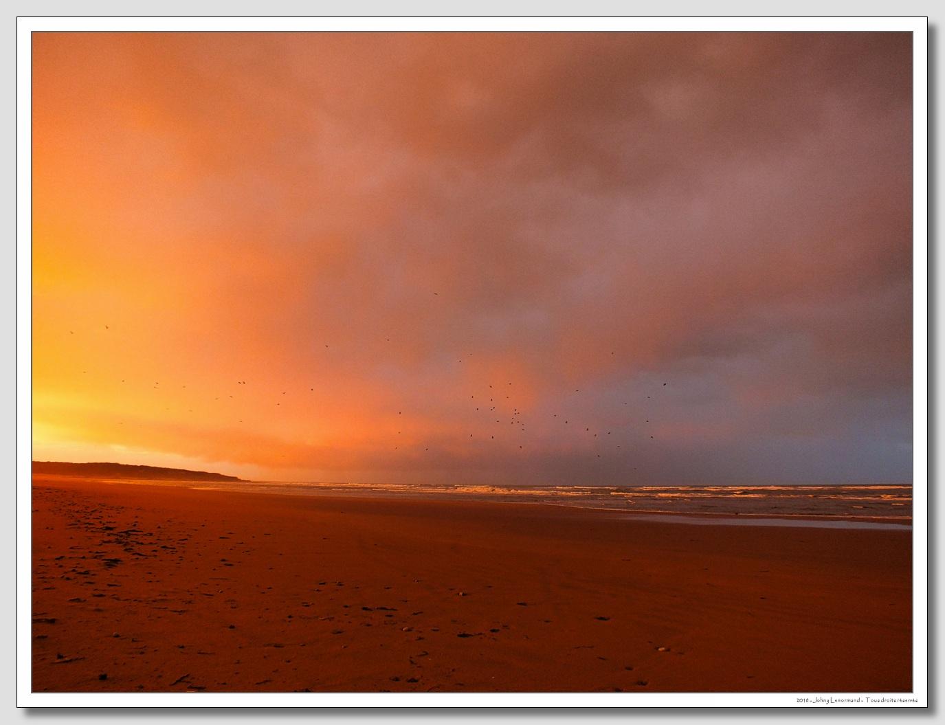 Lever du soleil sur le Veillon à Talmont Saint Hilaire (Vendée)