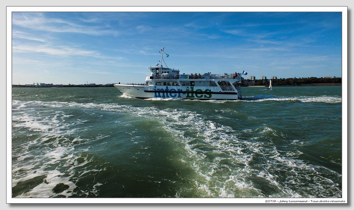 Navire excursions dans les iles.