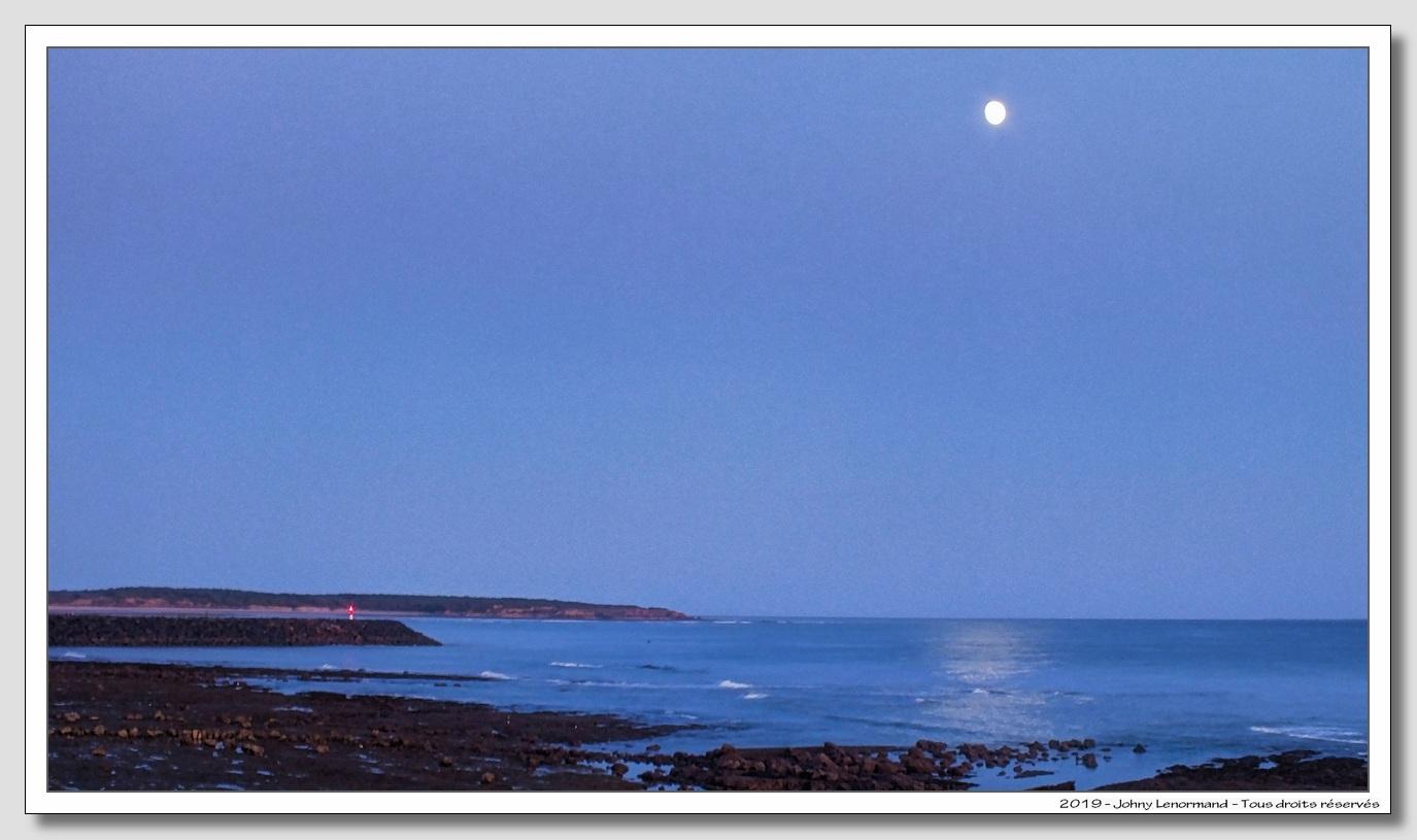 Clair de lune sur la côte talmondaise (Vendée)