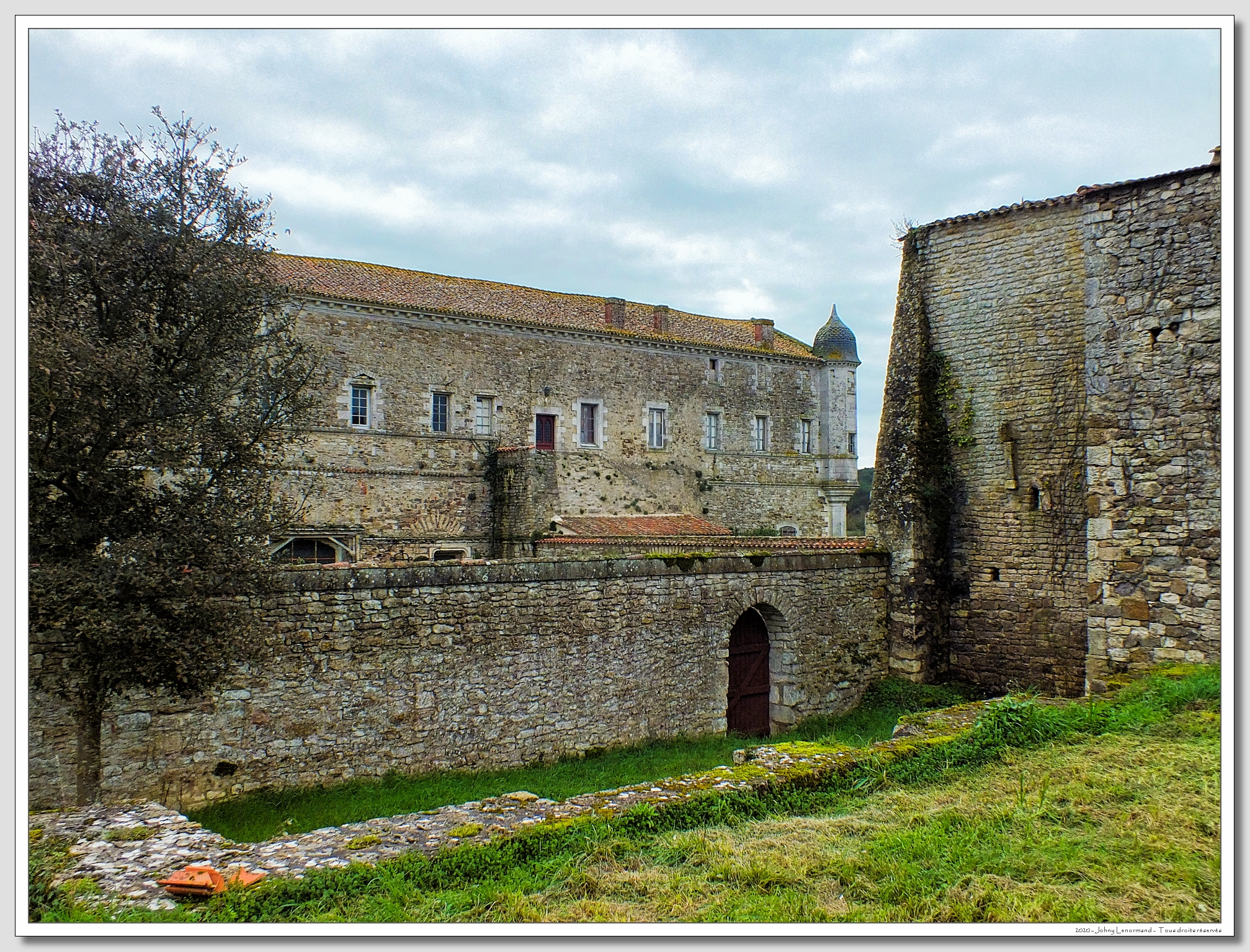 Abbaye royale de Lieu Dieu à Jard sur Mer (Vendée)