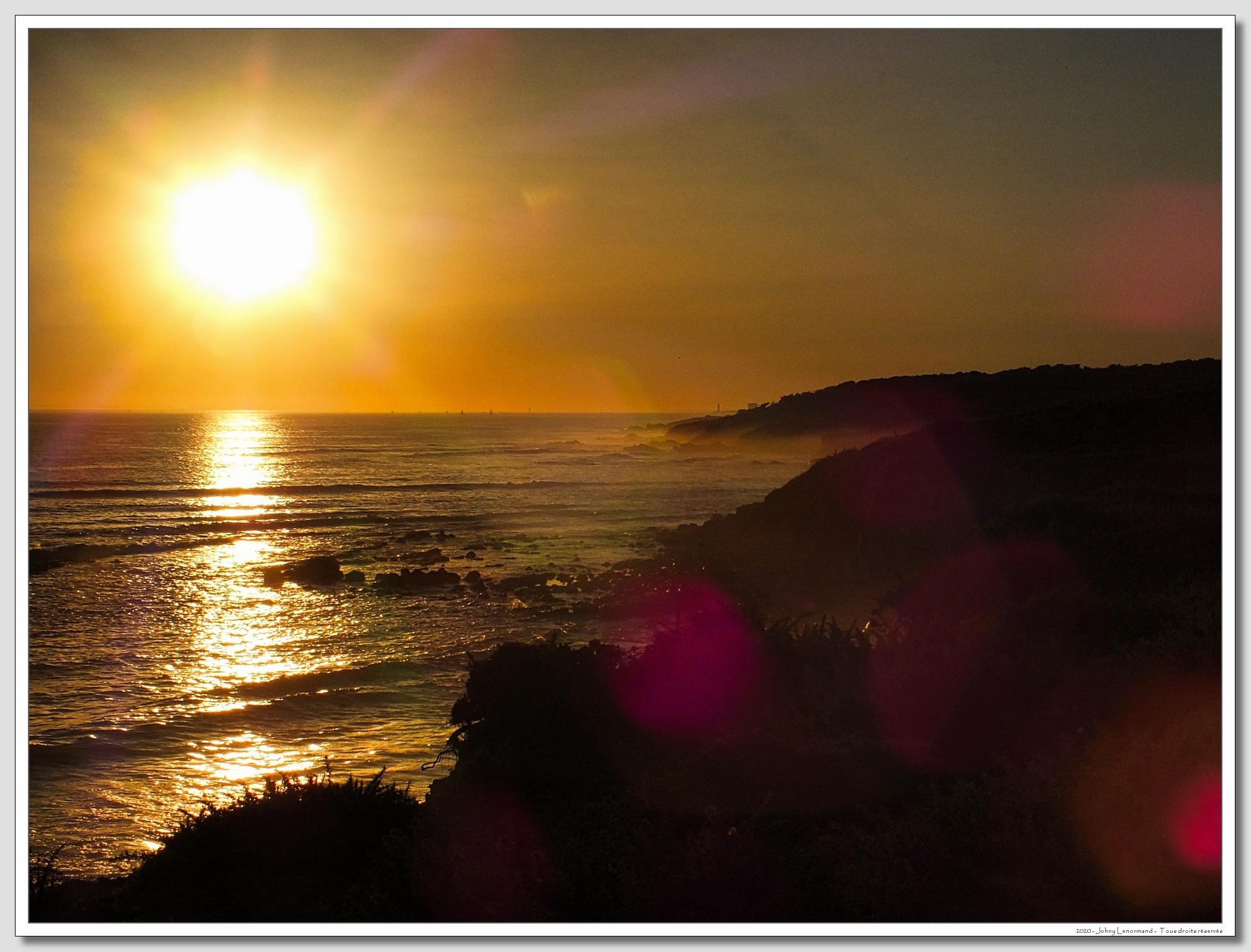 Coucher de soleil sur l'anse de la Mine à Talmont Saint Hilaire (Vendée)