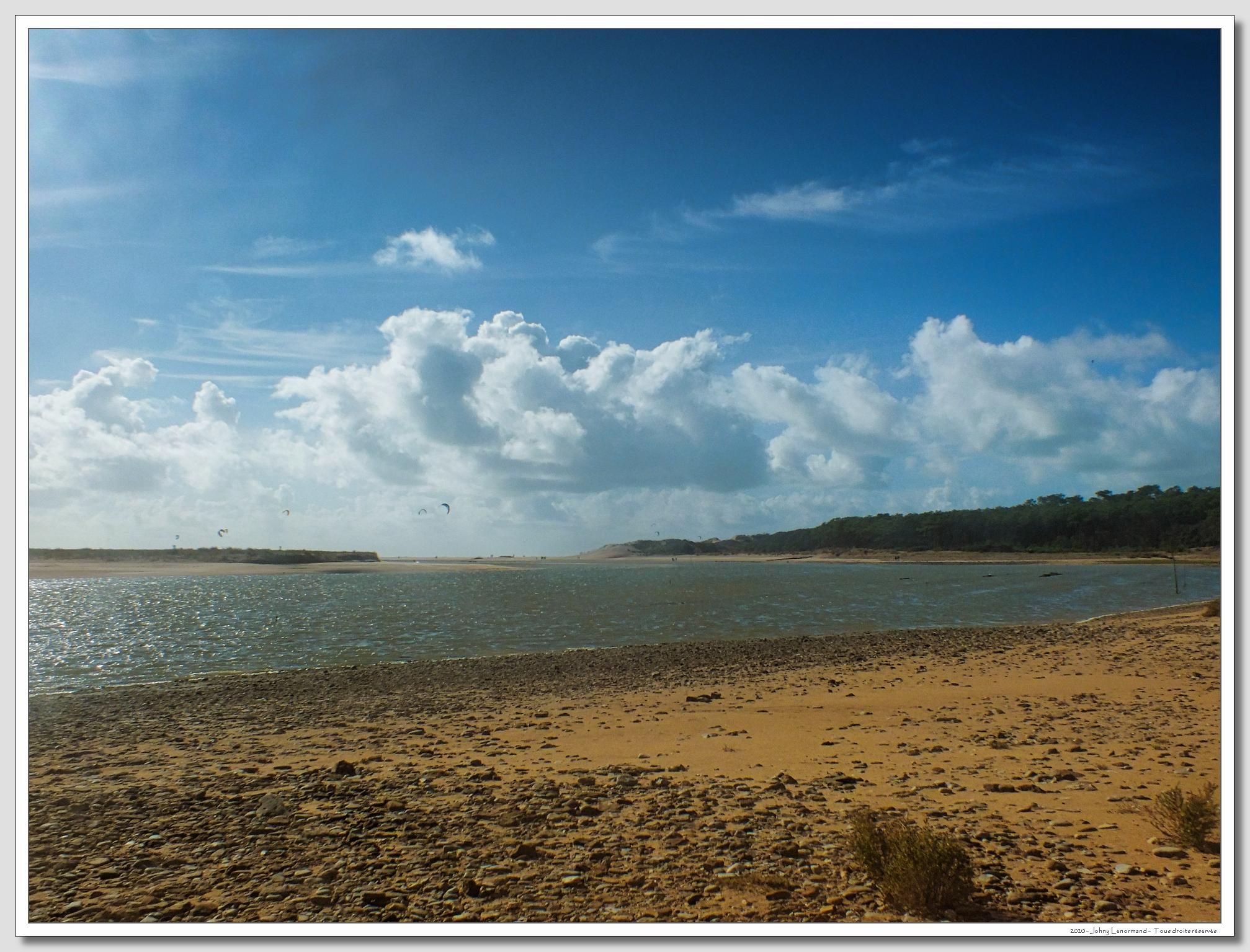 Belle journée d'octobre sur le Havre du Payré à Talmont Saint Hilaire (Vendée)