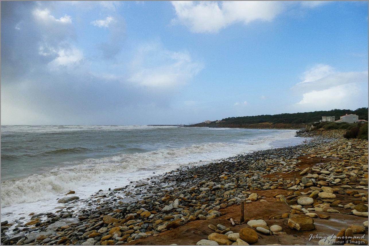 Tempête Bella dans l'anse de la République à Talmont St Hilaire (Vendée)